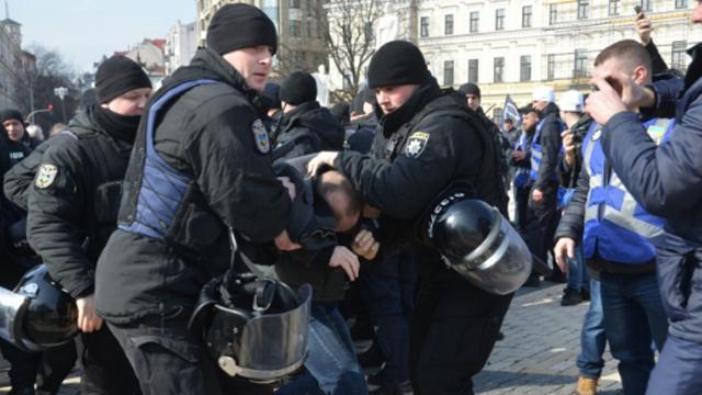 В Киеве произошли столкновения на Марше женщин