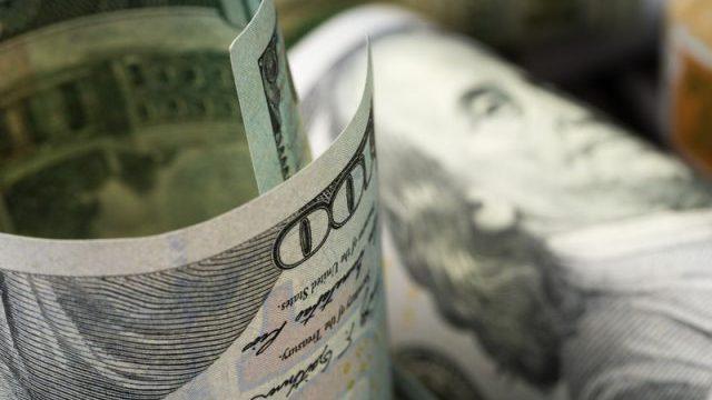 Зміни з 1 листопада: здорожчання газу, новації на дорогах та курс долара