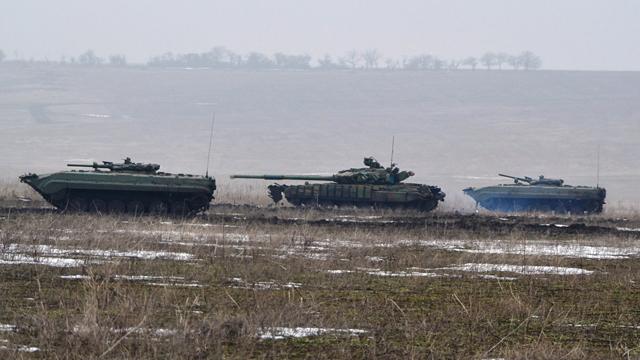 Бойовики на Донбасі вели вогонь з гранатометів та кулеметів, один військовий поранений