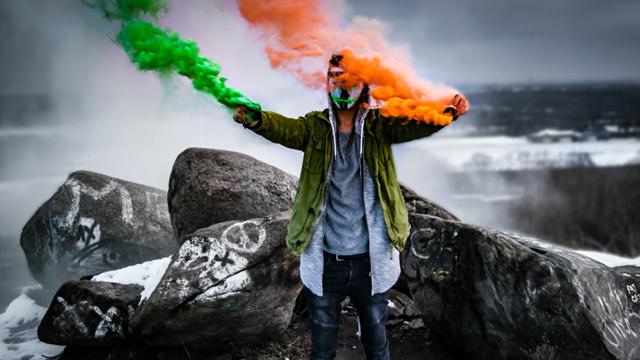Фаєри з ірландським прапором