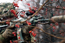 Три обстріли та мінування Ужівки: як пройшла доба на Донбасі