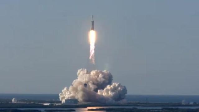 SpaceX назвала причину февральской аварии ракеты Falcon 9