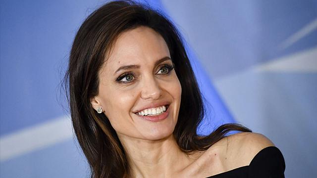 Анджеліна Джолі стала блондинкою для зйомок у фільмі Вічні