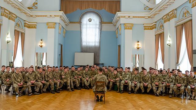 Василь Веселий ініціював флешмоб разом з кадетами ліцією Богуна на підтримку полонених військових моряків