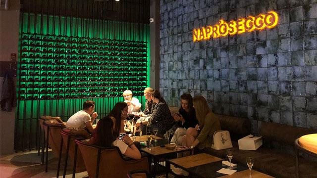 Naprosecco. Oyster & Co: лангустини, вино та устриці по 33 грн – Ситий в7