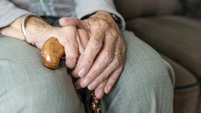 Оформлення пенсійного посвідчення онлайн: скільки коштує і які документи потрібні