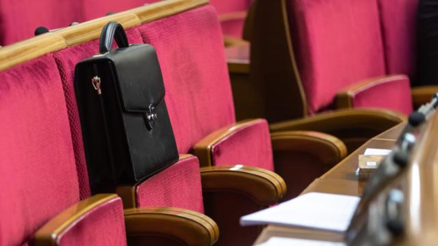 Депутатов-мажоритарщиков могут отозвать за недоверие избирателей