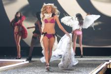 Victoria's Secret Fashion Show 2019 отменили