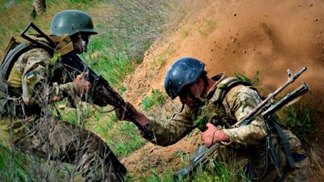 Обострение на Донбассе: шесть военных получили ранения