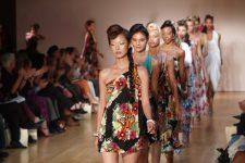 Стильні сукні на літо 2020: топ образів на спекотну погоду