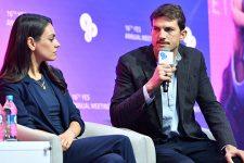 Щирий та розумний: Міла Куніс та Ештон Кутчер зустрілись з Зеленським у Києві