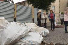 Будівельний скандал у Кам'янці-Подільському: люди блокують роботи зі зведення ТЦ
