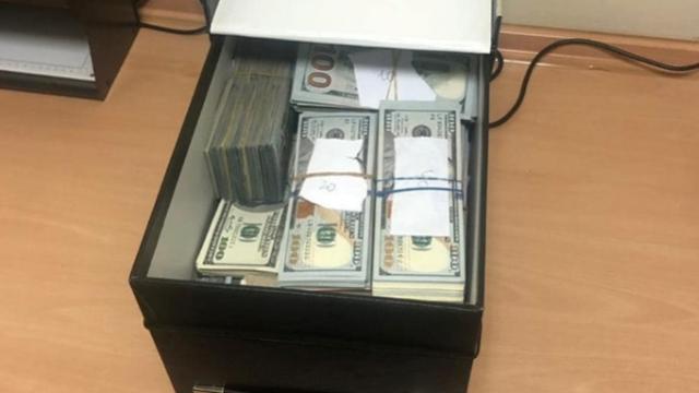 У банківській скриньці затриманого у Києві лікаря-трансплантолога знайшли $840 тис.