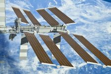Астронавти розгорнули на МКС нову сонячну панель – NASA