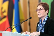 Экс-посол США Йованович напишет мемуары об Украине