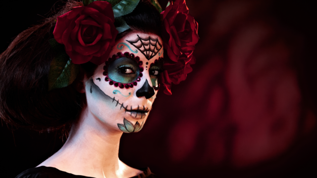 Как создать макияж на Хэллоуин – видеоуроки