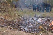 Не пугают штрафы: почему украинцы сжигают листья и как с этим борются спасатели