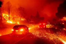 Каліфорнія у вогні: лісові пожежі охопили штат, людей евакуюють
