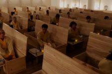 """У Південній Кореї проводять заняття з """"живих похоронів"""""""