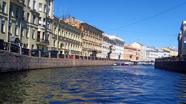 Вбив і розчленив студентку: в РФ доцент Соколов намагався втопити у річці пакет з руками