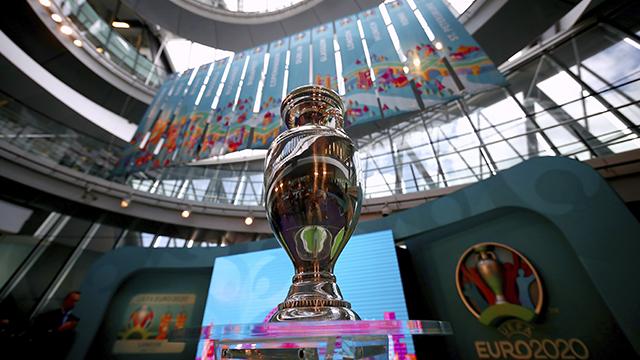 Трофей чемпионата Европы