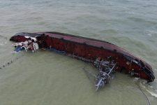 Катастрофа танкера Делфи в Одессе: уровень загрязнения и как поднимут судно