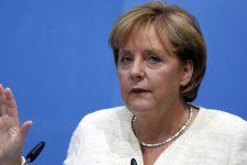Я дуже шкодую – Меркель про відмову Крамп-Карренбауер від посади канцлера