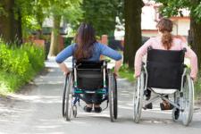 Рада визнала людей в інвалідних візках учасниками дорожнього руху