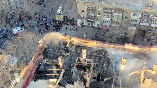 Пожежу в Одесі загасили – розпочато пошук 15 зниклих безвісти