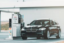 Антимонопольный комитет требует от АЗС снизить цены на бензин и дизель