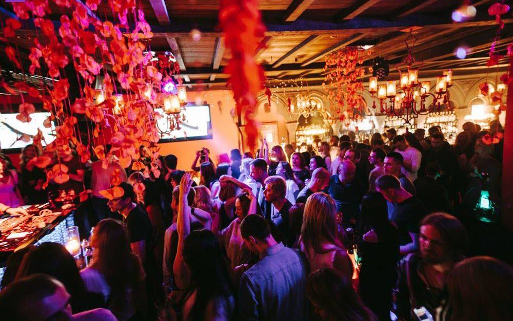 Новый год в ночном клубе 2020 видео с вечеринок клубов москвы