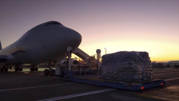 Почти миллион посылок: в Киев прибыл самолет с заказами с черной пятницы