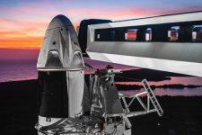 SpaceX отправит туристов в космос уже в следующем году