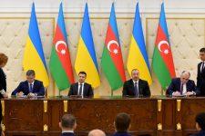 Украина подписала четыре документа о сотрудничестве с Азербайджаном
