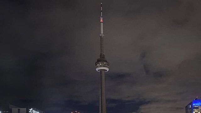 Канада вимкнула підсвічення найвищої вежі на знак жалоби за жертвами катастрофи МАУ