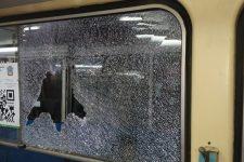 У Миколаєві обстріляли два трамваї з пасажирами