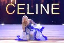 Королева красоты в Бельгии упала на сцене и потеряла бюстгальтер