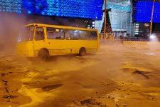 Потоп в Ocean Plaza в Киеве: транспорт остановился в пробках (КАРТА)