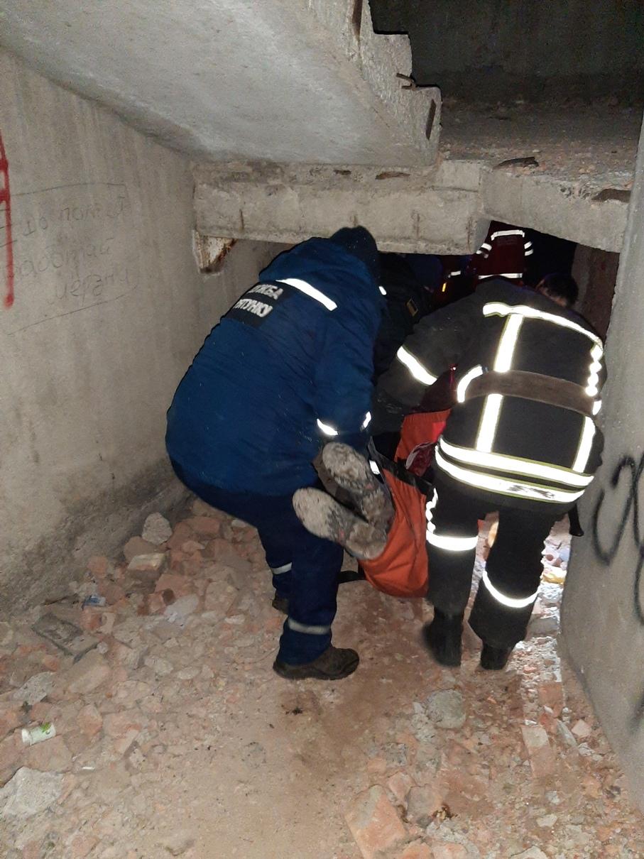 У Кропивницькому 18-річний хлопець впав у шахту ліфта