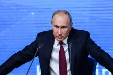 """Ситуация критическая: Путин созывает """"очень важное совещание"""" по Крыму"""