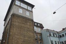 Надстройки в Киеве. Кто позволяет портить исторический центр столицы