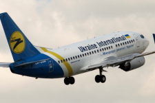 Україна зупиняє авіасполучення з Китаєм на місяць – дати останніх рейсів