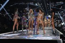 Ангели Victoria's Secret розповіли про домагання автора шоу Еда Разека