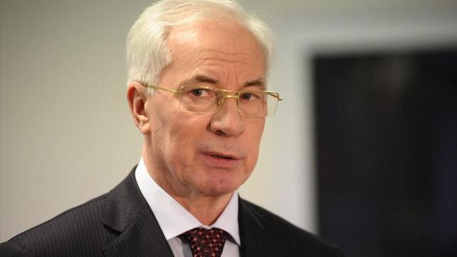 Азарову повідомили про підозру в держзраді через Харківські угоди