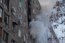 В Днепре горело общежитие – пострадали пять человек