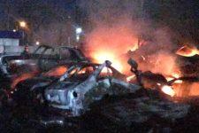 В Одессе на штрафплощадке сгорело 20 автомобилей