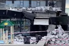 В Одессе на набережной ураган обрушил стену отеля