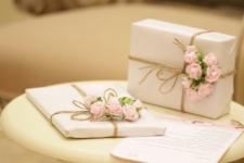 Что подарить подруге на 8 марта: идеи подарков