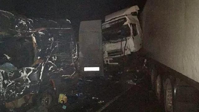 У ДТП на трасі під Псковом загинули 8 українців
