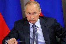 Путін висловив співчуття Зеленському через загибель українців у ДТП під Псковом